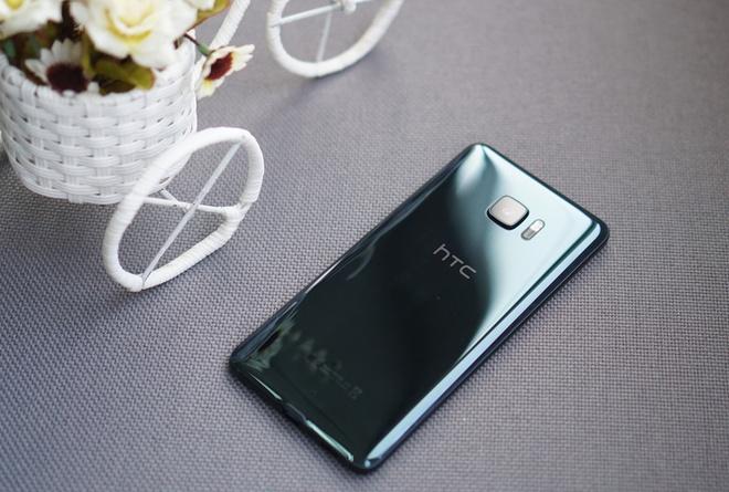 Nhung smartphone can cao cap dang mua dip can Tet hinh anh 5