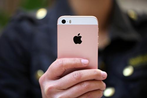 iPhone SE 2 vo kinh ra mat thang 5 hoac 6 hinh anh 1