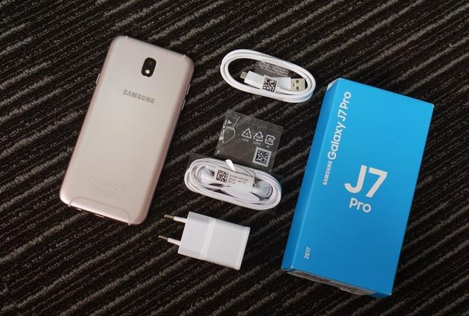 Can canh Galaxy J7 Pro mau hong cho mua Valentine hinh anh 2