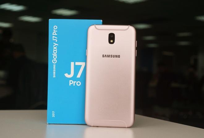Can canh Galaxy J7 Pro mau hong cho mua Valentine hinh anh 1