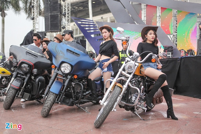 Hang tram chiec Harley-Davidson tu tap tai Ha Noi hinh anh