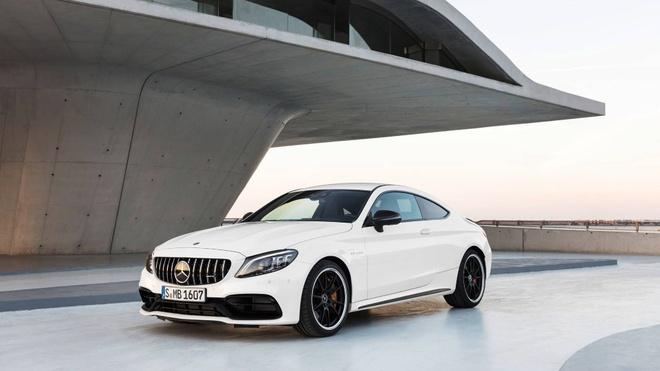 Mercedes-AMG C63 2019 so huu hang loat nang cap hinh anh