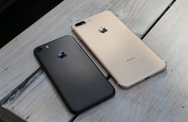 iPhone 7, 7 Plus qua su dung tiep tuc giam gia sau tai Viet Nam hinh anh