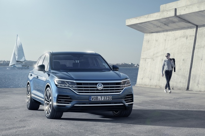 Volkswagen Touareg 2019 an toan hon voi Night Vision hinh anh 1