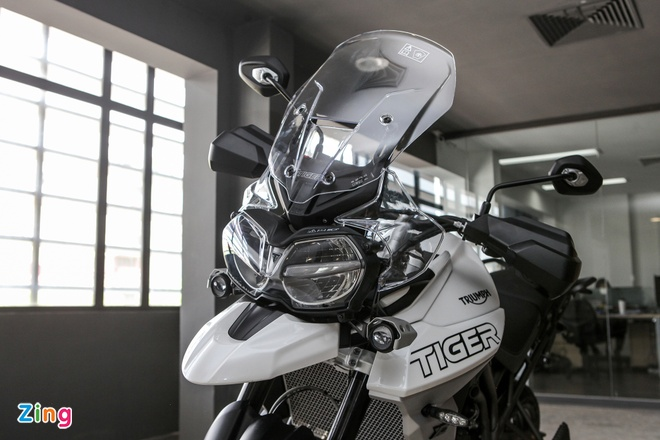 Triumph Tiger 800 XCA 2018 dau tien ve Viet Nam hinh anh 5
