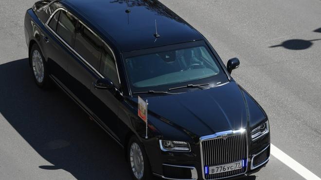 Sieu limousine do Nga tu san xuat dua ong Putin di nham chuc hinh anh 2