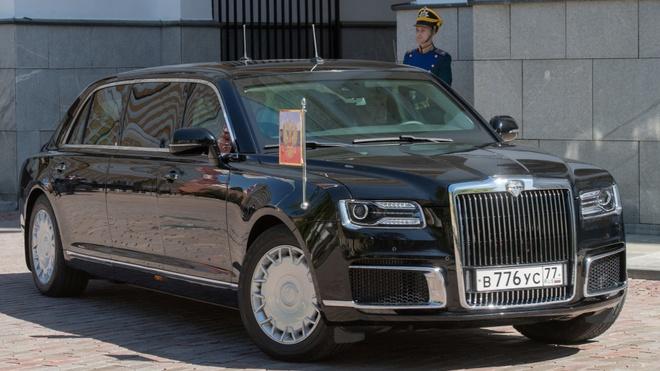 Sieu limousine do Nga tu san xuat dua ong Putin di nham chuc hinh anh 6