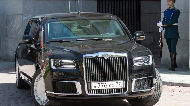 Sieu limousine do Nga tu san xuat dua ong Putin di nham chuc hinh anh 8