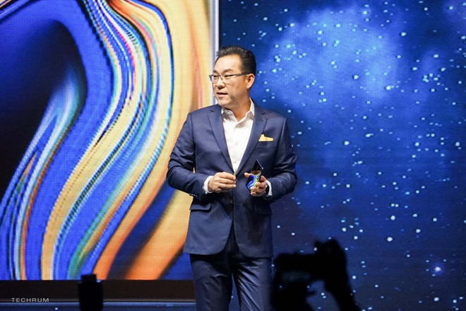 Samsung muon tung mot chiec smartphone 'chat nhat qua dat' hinh anh 9
