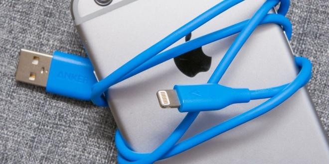 iPhone ngay cang xin nhung cap sac thi qua te hinh anh 2