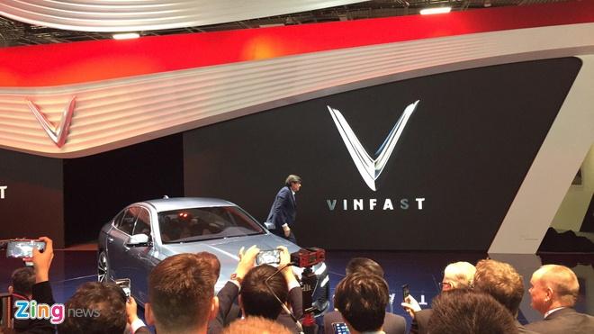 Beckham, hoa hau Tieu Vy den ra mat xe VinFast hinh anh 20