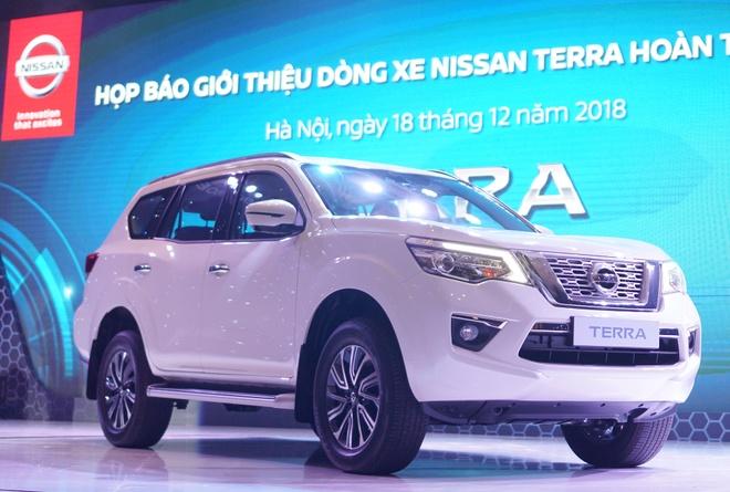 Nissan Terra ve VN - doi dau Toyota Fortuner gia tu 988 trieu hinh anh