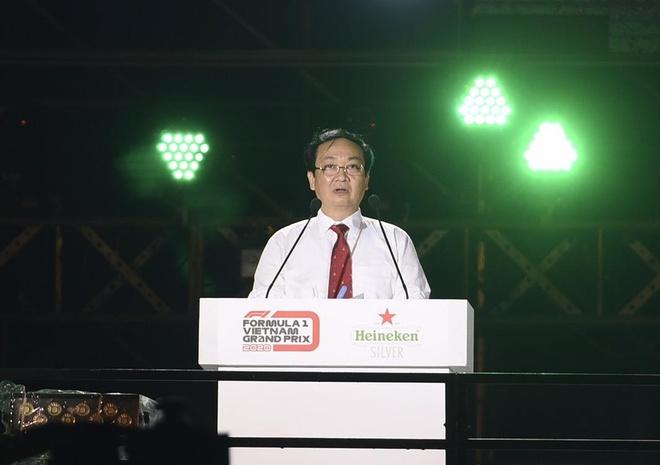 Son Tung mang hit 'Chay ngay di' den su kien khoi dong giai dua F1 VN hinh anh 11