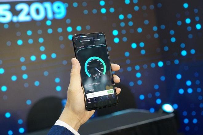 Oppo Reno là smartphone 5G đầu tiên tại Việt Nam