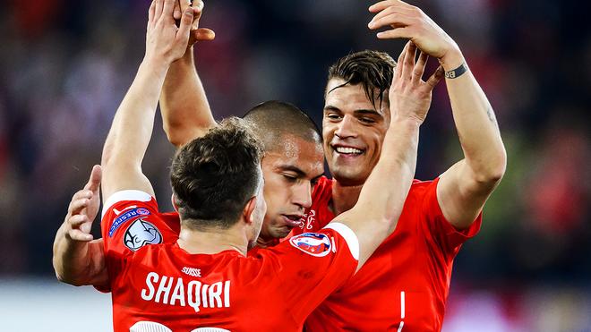 Lich thi dau Euro 2016 va doi hinh - Tuyen Thuy Si hinh anh