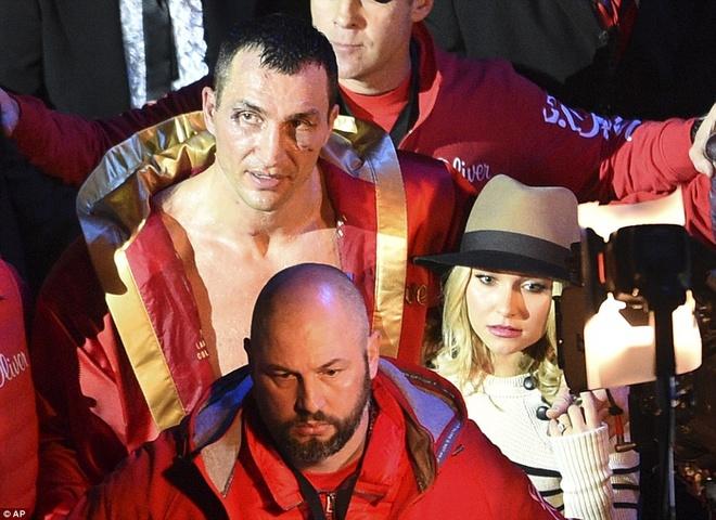 'Tien si bua thep' Klitschko het thoi vi suc tre cua Fury hinh anh 1 Wladimir Klitschko không còn là chính mình. Ảnh: Reuters.