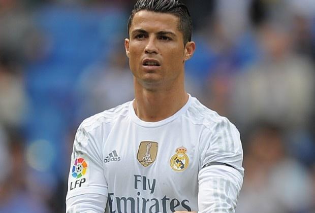 Phai chang the gioi dang chong lai Ronaldo? hinh anh 2 Ronaldo đang bị truyền thông thế giới quay lưng. Ảnh: Getty Images.