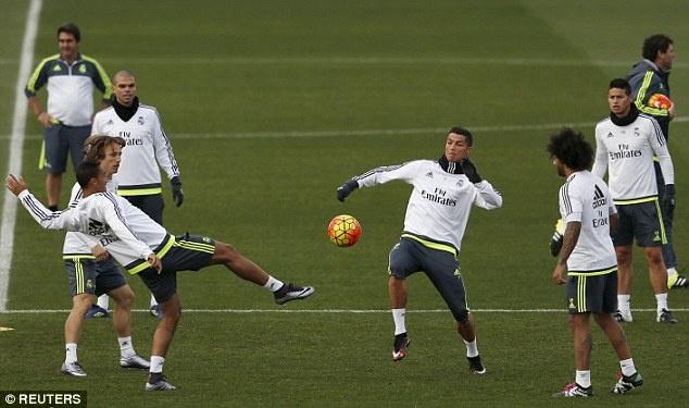 Gio Ronaldo la 'Ngai vui ve' hinh anh 3