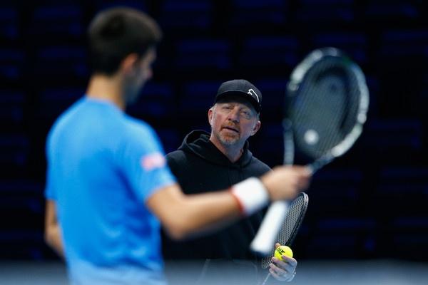 Xu the lang tennis: 'Sieu HLV' lien tuc that nghiep hinh anh