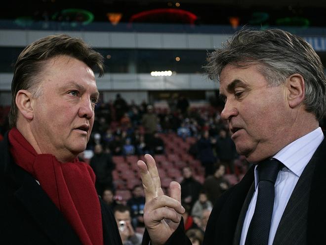 Van Gaal cham mat Hiddink: Ban nga nguoi Ha Lan hinh anh