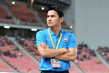 Kiatisak đã tạo ra một tuyển Thái Lan trẻ trung và chơi thứ bóng đá rất hiện đại.