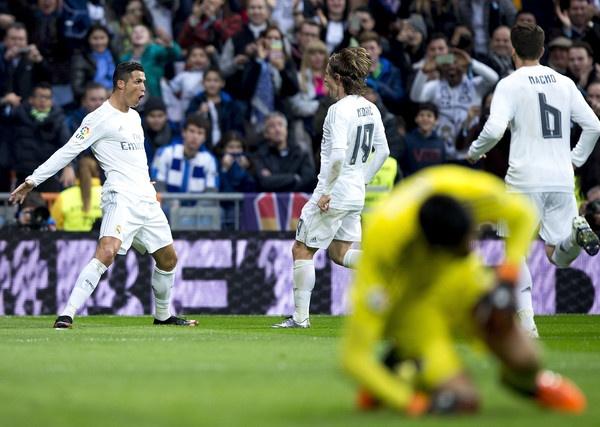 Valencia thu hung Real Madrid: 'Bay doi' kho song hinh anh 1