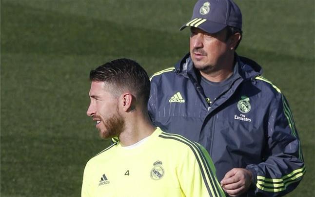Benitez mat kiem soat trong phong thay do Real Madrid hinh anh