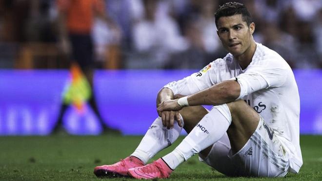 Gia tri Ronaldo thua Hazard, bang nua Messi hinh anh