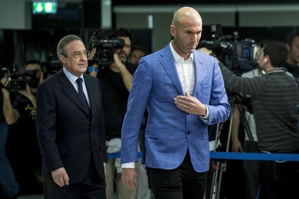 Zidane giua lan ranh khong the va co the hinh anh 3