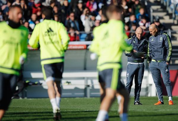Zidane giua lan ranh khong the va co the hinh anh 4