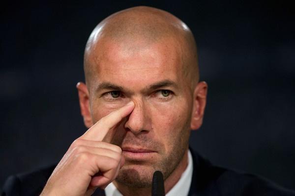 Zidane giua lan ranh khong the va co the hinh anh 1
