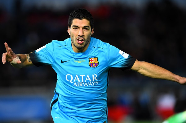 'Di nhan' Suarez hinh anh