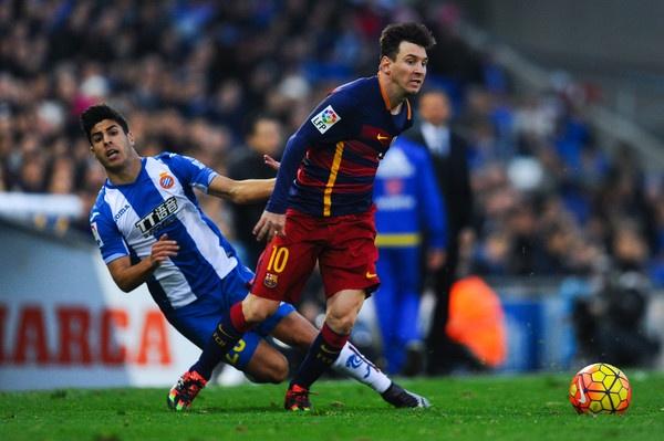 Derby xu Catalan: Nhung linh hon gian du hinh anh 1