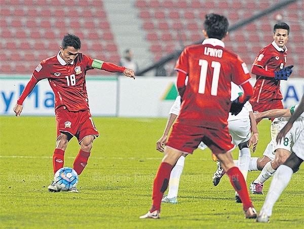 Quyet tao cu soc, Kiatisak khong so U23 Nhat Ban hinh anh 1