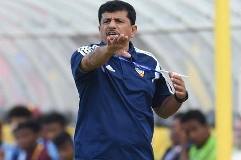 HLV UAE kinh ngac truoc man trinh dien cua U23 Viet Nam hinh anh