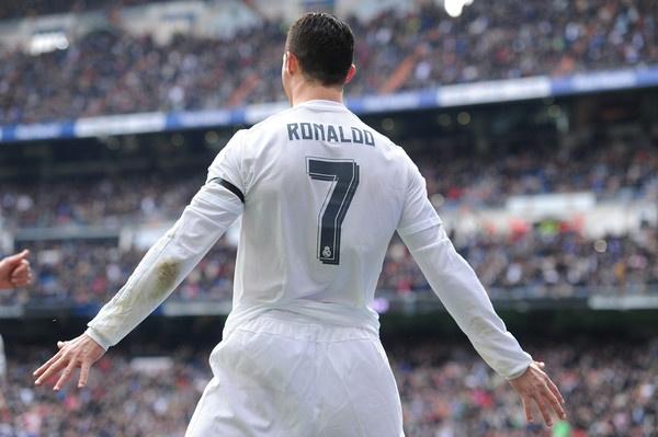 Ronaldo va gia tri bat diet hinh anh