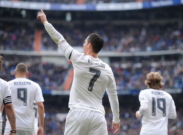Ronaldo va gia tri bat diet hinh anh 2