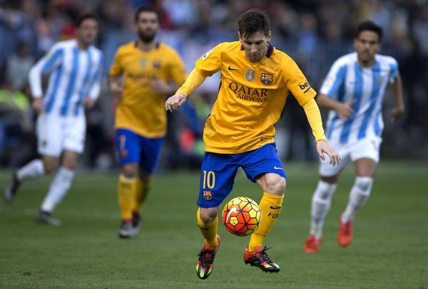 Lionel Messi: La thien tai, la phu thuy, la dang cuu the hinh anh 1