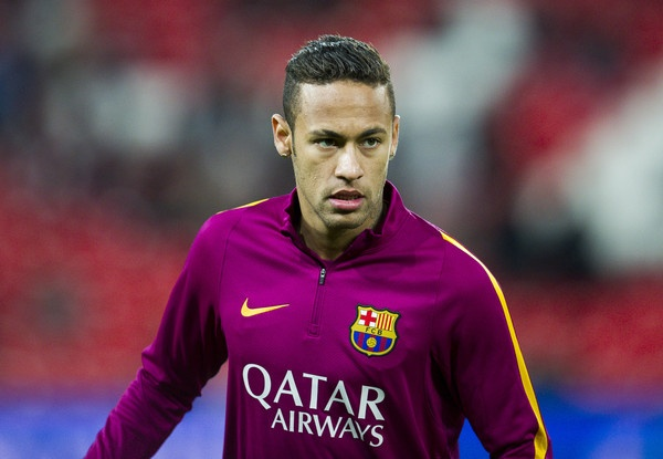 Toi Real, Neymar se an dut Ronaldo va Messi ve muc luong hinh anh