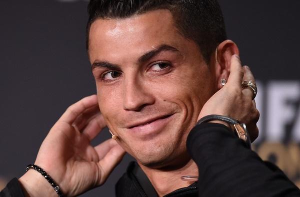 Khi Real Madrid phai chiu dung mot Ronaldo ich ky hinh anh