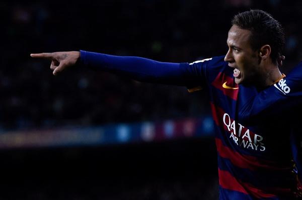 Neymar cang hay, Perez cang bi am anh hinh anh
