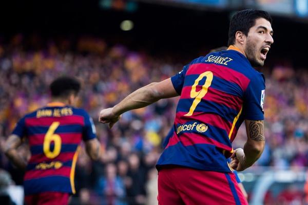 Luis Suarez pha loi nguyen so 9 o Barca hinh anh