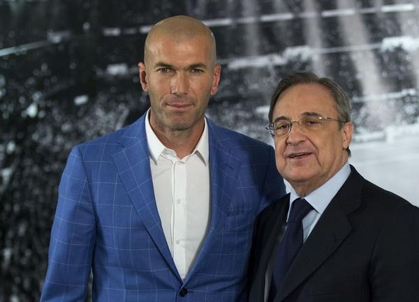 Lam cach mang, Real Madrid tao doi hinh trong mo hinh anh 1