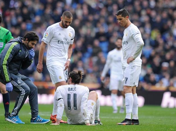 Real Madrid dang bi Gareth Bale 'hut mau' the nao? hinh anh 1