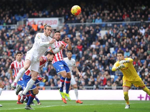 Real Madrid dang bi Gareth Bale 'hut mau' the nao? hinh anh 3