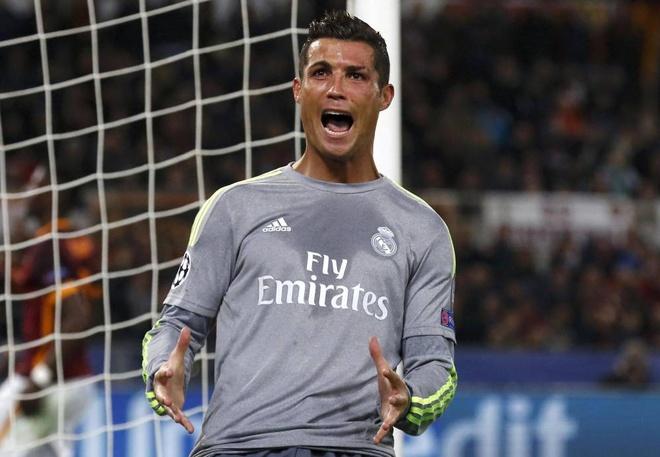 Truyen thong the gioi 'sot' voi sieu pham cua Ronaldo hinh anh