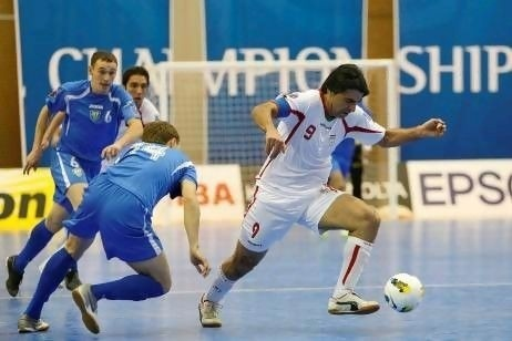 Futsal Iran: Thanh cong tu duong pho bui bam hinh anh 3