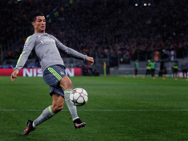 Ven man cong thuc hoi sinh Ronaldo hinh anh 2