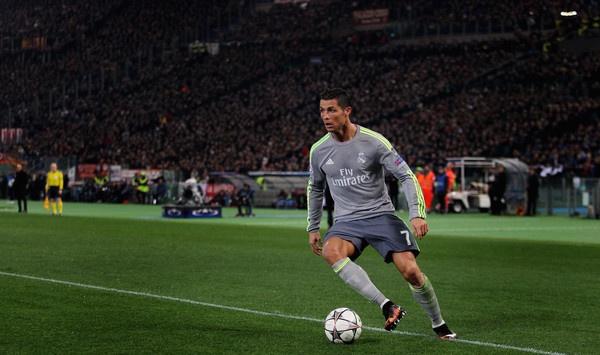Ven man cong thuc hoi sinh Ronaldo hinh anh 1