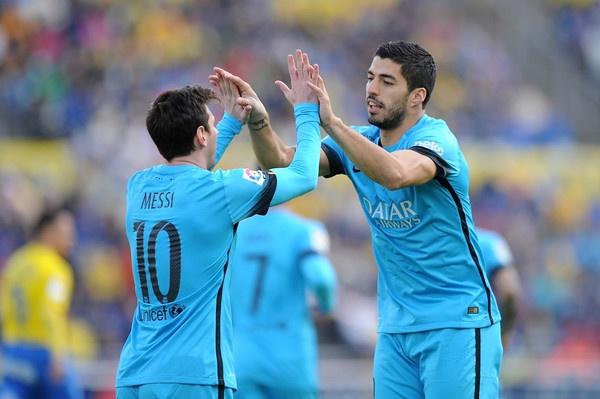 Matt Law: 'Arsenal can cau nguyen truoc Barca' hinh anh 1